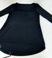 Intenzivno crna asimetricna bluza sa ¾ rukavima