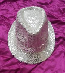 Srebrni šešir sa sljoķicama