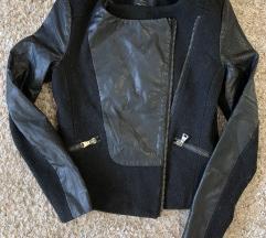 Zara jakna  1500