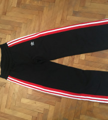 Adidas zenske trenerke donji deo