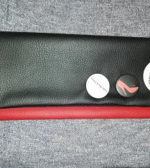 Handmade torbica sa bedževima