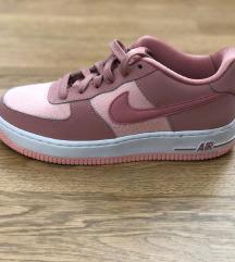 Nike air force original broj 37.5