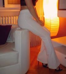 Bele zvonaste pantalone 38