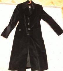 Savrsen crni kaput mantil Amc M