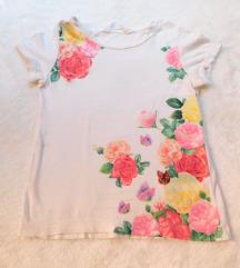 H&M bela sa cvecem i sljokicama majica kao NOVA
