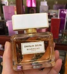 Dahlia Divin Givenchy SNIZENJE