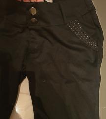CRNE pantalone sa cirkonima na dzepu