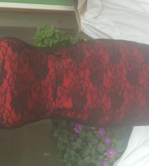 Crno crvena cipkana haljinica