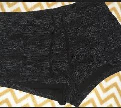 H&M prskano crno sivi šorts