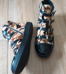 Patike/cipele.Spaziomoda.Italy.Novo!