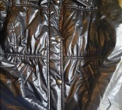 Bershka crna jaknica