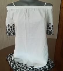 Nova duza majica kratkih rukava