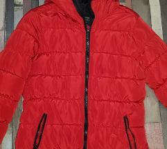 Zara jakna crvena