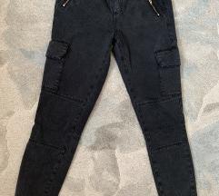 Zara pantalone jednom obucene