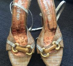 Zlatne sandale 😍