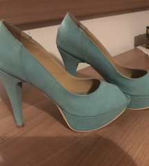 Prelepe tirkizne cipele na stiklu Primadona br 38