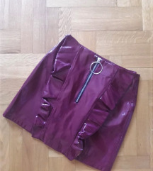 REZ: MANGO Hot red vinyl suknja