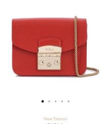 Original Furla crvena torbica odmah dostupna