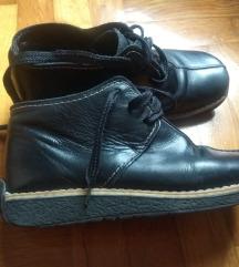 Kožne poluduboke cipele