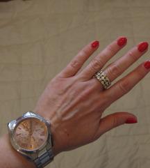 208. Zlatni prsten sa cirkonima, bižuterija