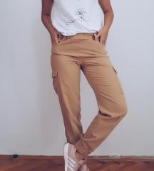 Rezervisano Sinsay pantalone sa dzepovima