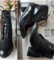 Novo Vero moda crne gleznjace cizmice