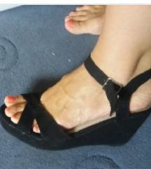 Nove sandale, veoma povoljno!