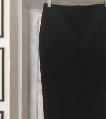 Crna pencil suknja