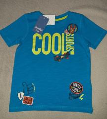 Nova decija majica sa etiketom 104