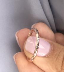 Pandora tanak rosegold prsten sa cirkonima