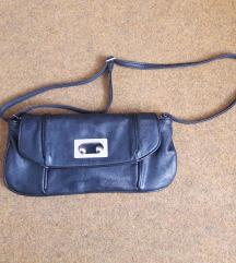 Crna ženska torbica od eko kože