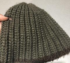 maslinasno zelena kapa