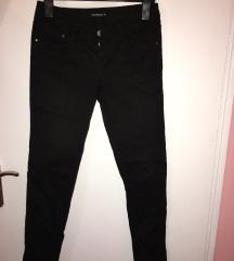 Crne zenske pantalone