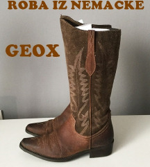 GEOX kaubojke /anatomske