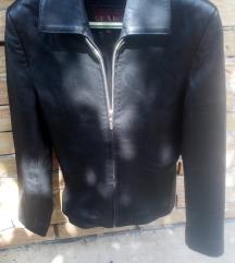 zenska jakna od vestackog materijala