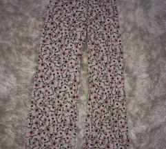 Pantalone sa sirokim nogavicama - Svetne