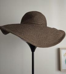 Zara letnji šešir M SADA 1000 din!