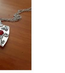 Ogrlica Bennet porodice Vampirski dnevnici