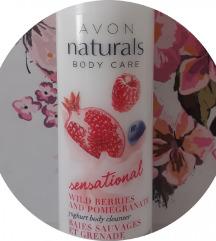 AVON Naturals kremasta kupka sa jogurtom 200ml