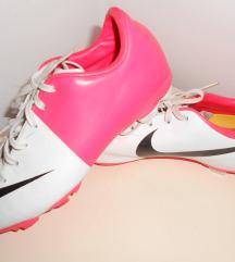 Nike br.36
