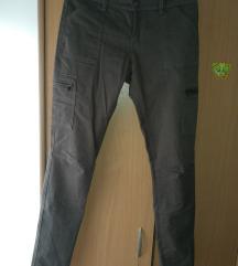 Pantalone (NOVE)