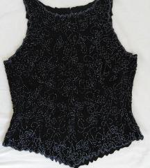 Crna majica sa perlama