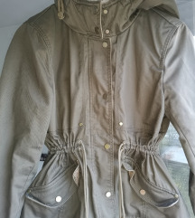 H&M maslinasto zelena jakna