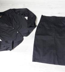 Satenski kostim sako i suknja sa felerom
