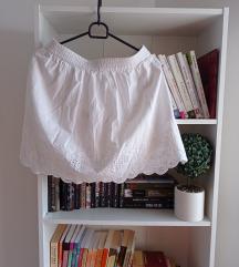 Kratka bela leprsava suknja, S vel.