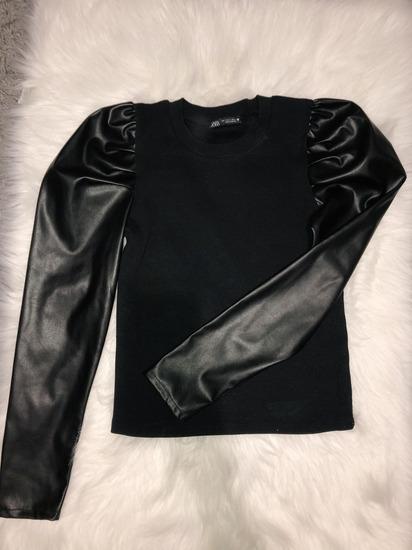 Zara uska majica sa koznim puf rukavima