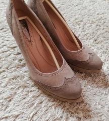 Paar cipele, Novo