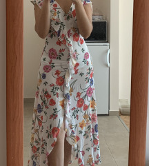 Stradivarius haljina sa izrezom