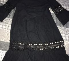 Moderna crna haljina snizena na 750