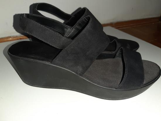 H&M  sandale na platformu